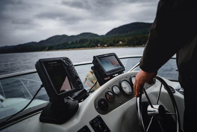 Bermacam-macam Peralatan Perkapalan Khusus Navigasi